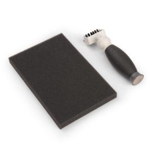 SIZZIX DIE BRUSH & FOAM PAD med Magnetic Pickup Tool